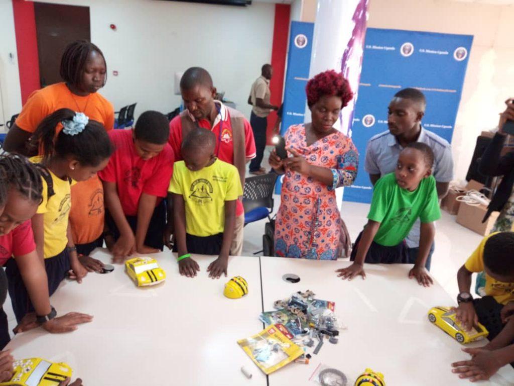 Yaaka Digital Network & TOD Idea Provide Digital Training To Students And Teachers 2